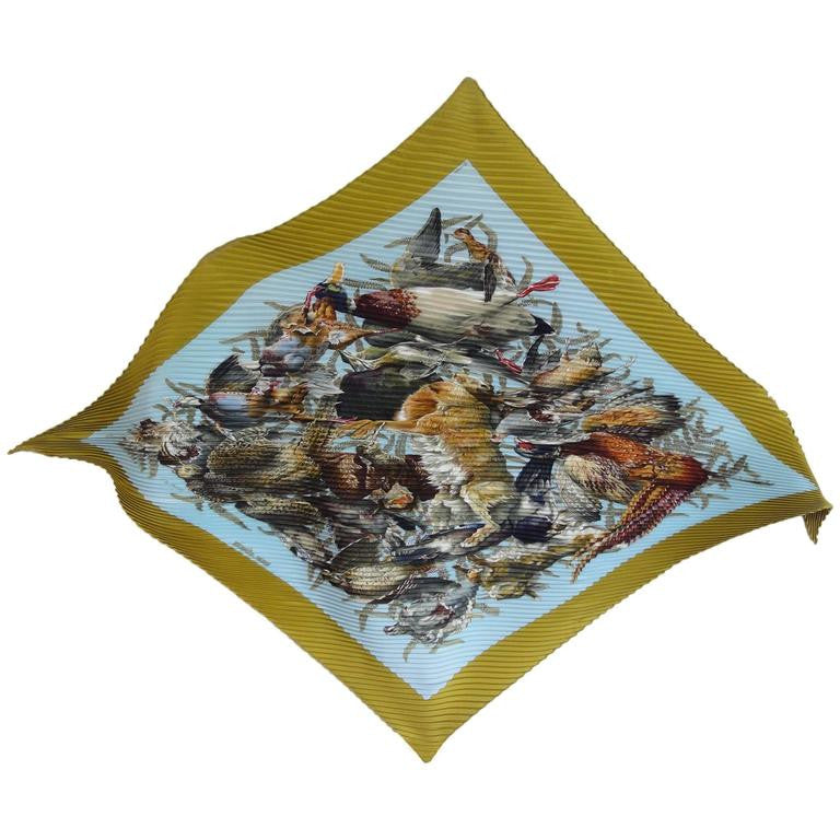 Vintage HERMES Carre plisse, pleated silk scarf olive green, light blue, various bird and rabbit print. Classic foulard. Perfect gift.
