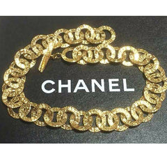MINT. Vintage CHANEL golden logo embossed hoop chain necklace. Gorgeous vintage masterpiece