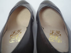 Vintage Salvatore Ferragamo charcoal grey and dark brown leather pumps with snakeskin, classic pointy heel shoes. US 8D