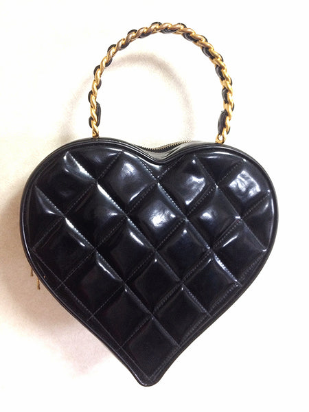 1be021a3b6e56c ... Vintage CHANEL black patent enamel quilted leather large heart shape vanity  handbag with white cc mark ...