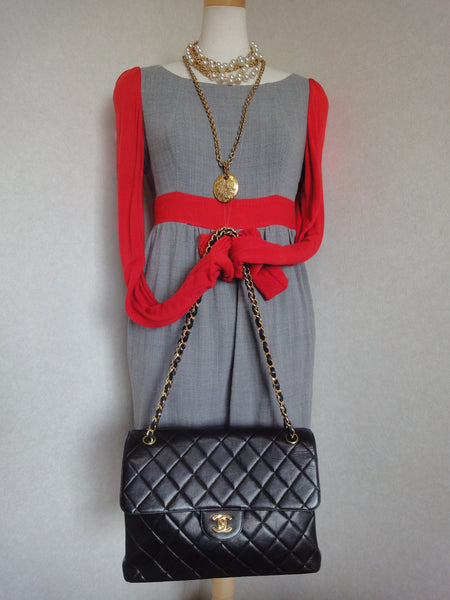 69d27dd2e56ec4 ... Vintage CHANEL black lambskin 2.55 classic jumbo, large shoulder bag  with double side flap and