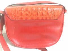 90s Vintage Etienne Aigner alligator embossed leather shoulder purse. Stunning color of deep orange
