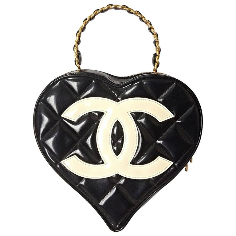 892a08003441a9 Vintage CHANEL black patent enamel quilted leather large heart shape vanity  handbag with white cc mark