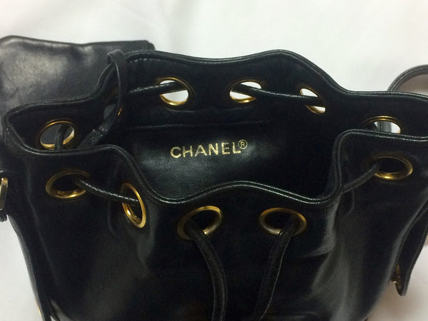 713655df44f1dd ... Vintage CHANEL black lamb leather mini hobo bucket drawstring shoulder  bag with golden ball charms and ...