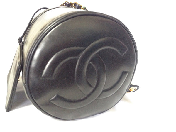200637aa2794 Vintage CHANEL black lambskin bucket hobo drum shoulder bag with golden  chain strap and ...