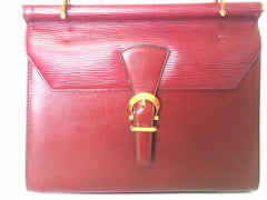 Vintage Valentino Garavani wine epi and smooth leather handbag with golden buckle design closure.Classic Valentino purse for any occasions.