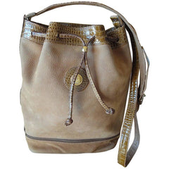Vintage FENDI tan brown leather bucket hobo shoulder bag with croc embossed enamel leather trimmings and a golden logo charm. Unisex