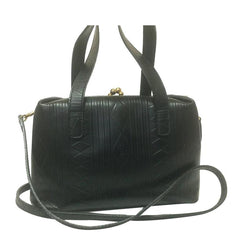 Vintage Fendi black leather shoulder bag, handbag with kiss-lock closure geometric embossed design. Rhomboid
