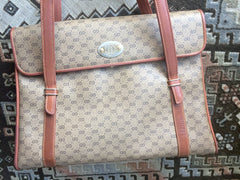 Vintage Gucci beige micro GG monogram print shoulder bag with brown leather trimmings. Classic purse.