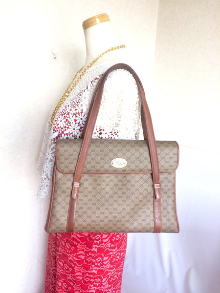 b6b0d00013fb19 Classic purse Vintage Gucci beige micro GG monogram print shoulder bag with brown  leather trimmings. Classic purse