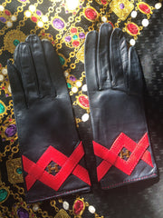 MINT. Vintage HERMES black lambskin gloves with golden H logo with red triangle stitch design. Perfect vintage gift for the season. size 7.5