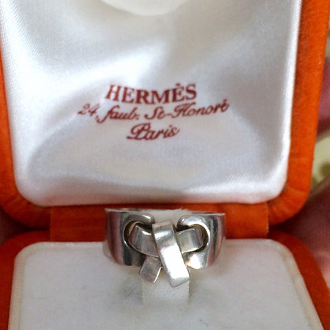 Vintage Hermes genuine 925 silver ring in bow, ribbon design with original box and case. size US6.5-7, UK M-N, JP13.