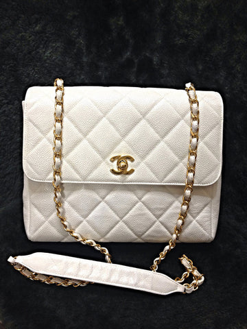 Vintage Chanel classic white caviar leather 2.55 square shape chain shoulder bag with golden CC closure. Must have purse.