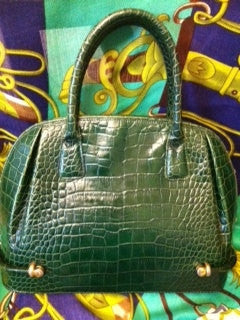 SOLD OUT: 80s Vintage BALLY croc embossed green leather purse.