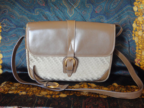 SOLD OUT: Vintage Gucci rare GG jacquard and leather shoulder purse