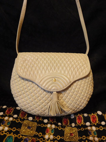 SOLD OUT: Vintage BALLY ivory beige quilted lambskin shoulder purse with golden B charm at front flap. What a chic Bally back in the era.
