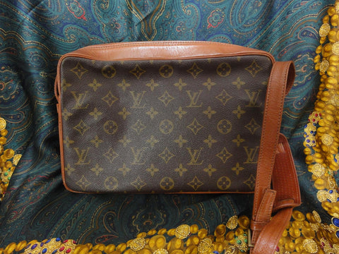 SOLD OUT: Vintage Louis Vuitton Monogram shoulder purse. unisex use. classic style that would never go out of style.