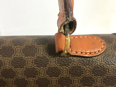 Vintage CELINE brown macadam blason logo printed Kelly style handbag with golden closure and chain. Classic purse. Perfect daily use bag.