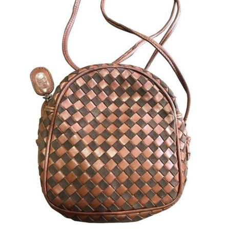 Vintage Valentino Garavani brown intrecciato mini pouch style shoulder bag with V logo embossed pull. Classic purse.