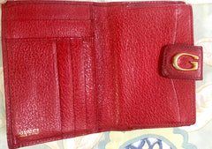 Vintage Gucci red pigskin leather wallet with golden G logo hardware closure. Great vintage gift. Unisex