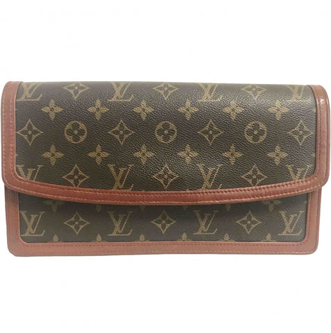 Vintage Louis Vuitton Monogram clutch bag, pochette purse. Must have. Unisex use.