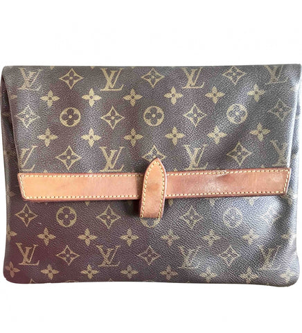 Vintage Louis Vuitton monogram envelope style document portfolio bag. Unisex use clutch for all generations. Eclair zipper.