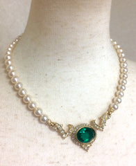 MINT. Vintage Nina Ricci faux pearl statement necklace with  large green Swarovski crystal stone top and clear stones. Gorgeous jewelry