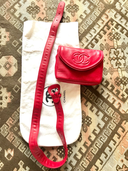6bf12e9482c2 ... Vintage CHANEL red leather belt bag, fanny pack with detachable chain  belt and CC stitch ...