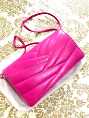 Vintage LANVIN pink lambskin clutch shoulder bag in chevron stitch design with iconic golden logo motif. Rare and adorable piece.