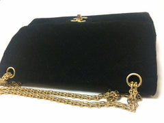 70's vintage Chanel classic black jersey 2.55 bag with double flap and skinny chain straps. One-of-a-kind bag. Ves