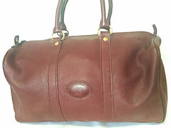 80's Vintage Longchamp rare dark wine leather duffle bag, mini travel purse. Classic bag for unisex use.