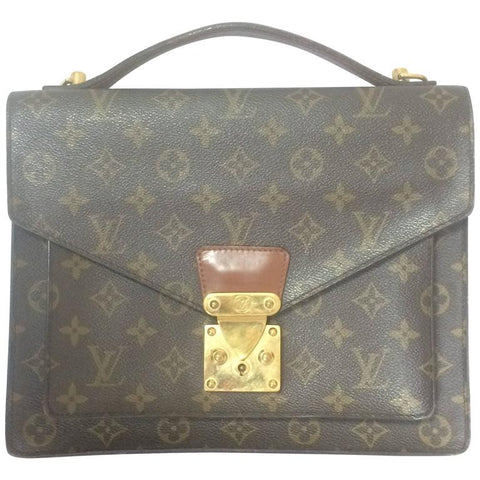 90's Vintage Louis Vuitton monogram handbag. Elegant and classic purse that would never go out of style.