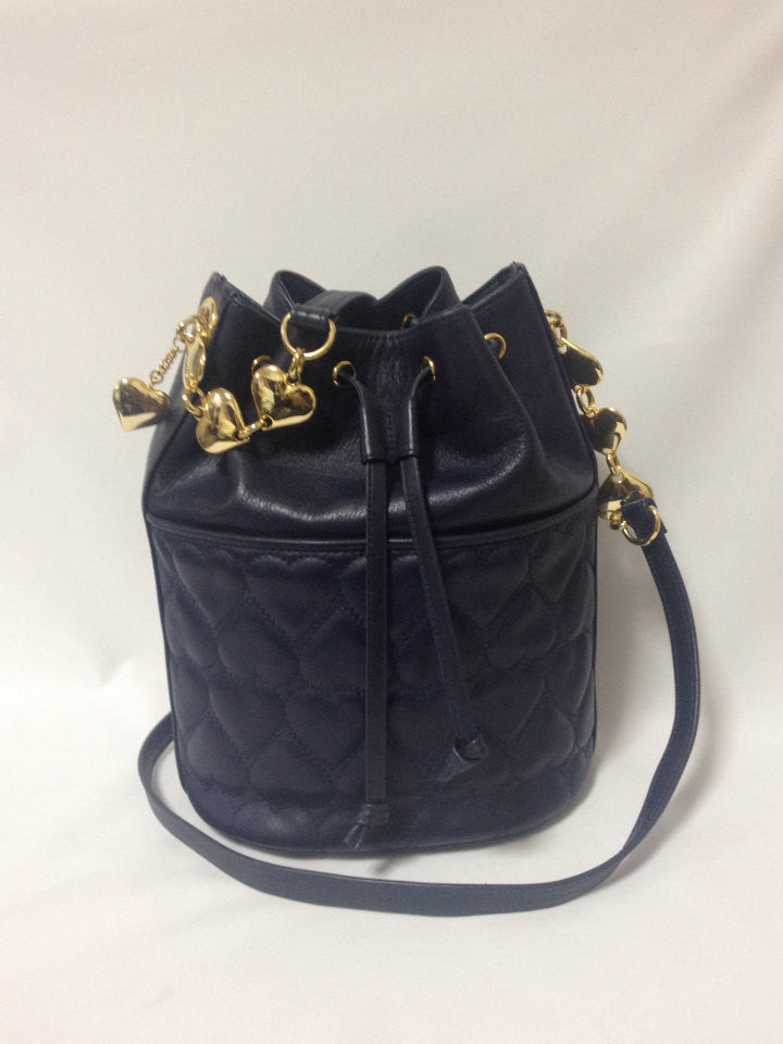 MINT. Vintage MOSCHINO navy heart shape quilted lambskin shoulder hobo bucket purse with golden heart chain strap. Too cute to carry.