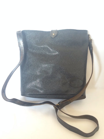 Vintage Mulberry hobo bucket black scotchgrain hobo shoulder bag with leather strap. Unisex use for daily use.