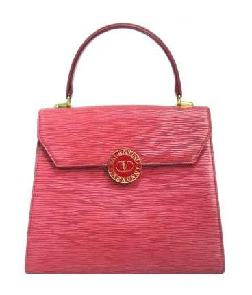 Vintage Valentino Garavani pink red epi leather handbag with round V logo motif. Classic Valentino kelly shape purse in apricot red.