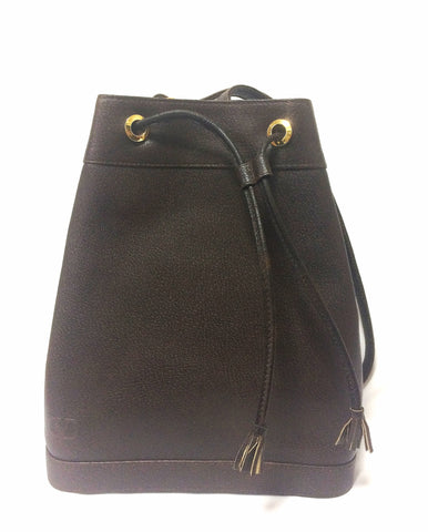 Vintage Valentino Garavani dark brown leather hobo bucket shoulder bag with embossed V logo. Unisex
