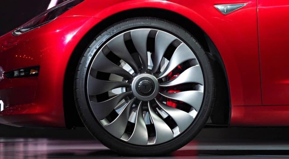"Are the old Model 3 ""turbine style"" wheels back?"