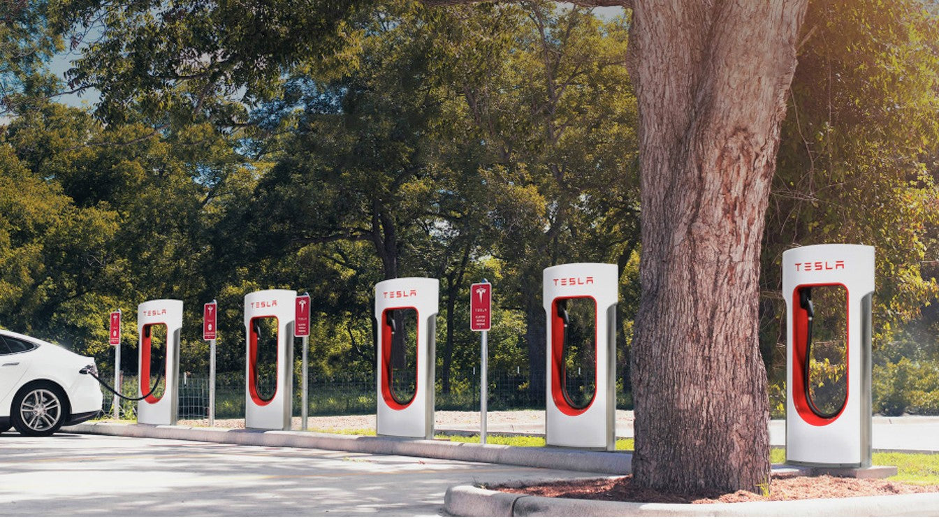 Tesla V3 Supercharging Network Worldwide Expansion (In Norway by March)