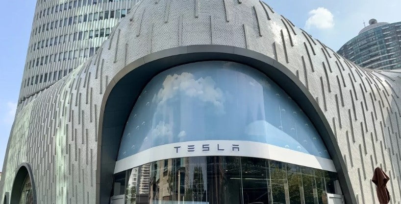 2000th Tesla Supercharger arrives in Shanghai Hongqiao