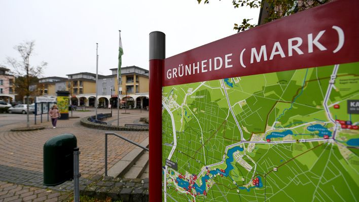 Tesla Opens Citizens Information Office in Grünheide
