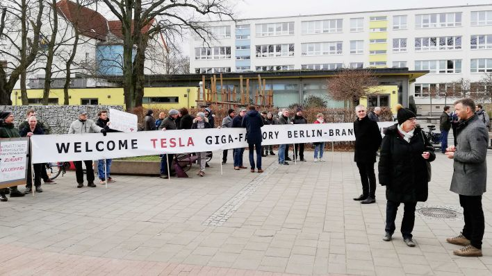 Tesla Gigafactory 4 Berlin Welcoming Party with Elon Musk's Don't Doubt Ur Vibes