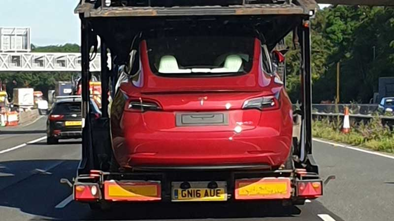 "Tesla ""accelerates"" delivery for surplus Long Range Performance Model 3 stock"