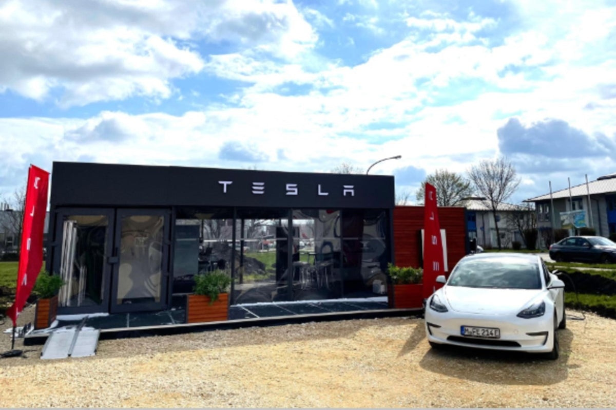Tesla Is Actively Capturing the German Market by Opening New Pop-Up Stores