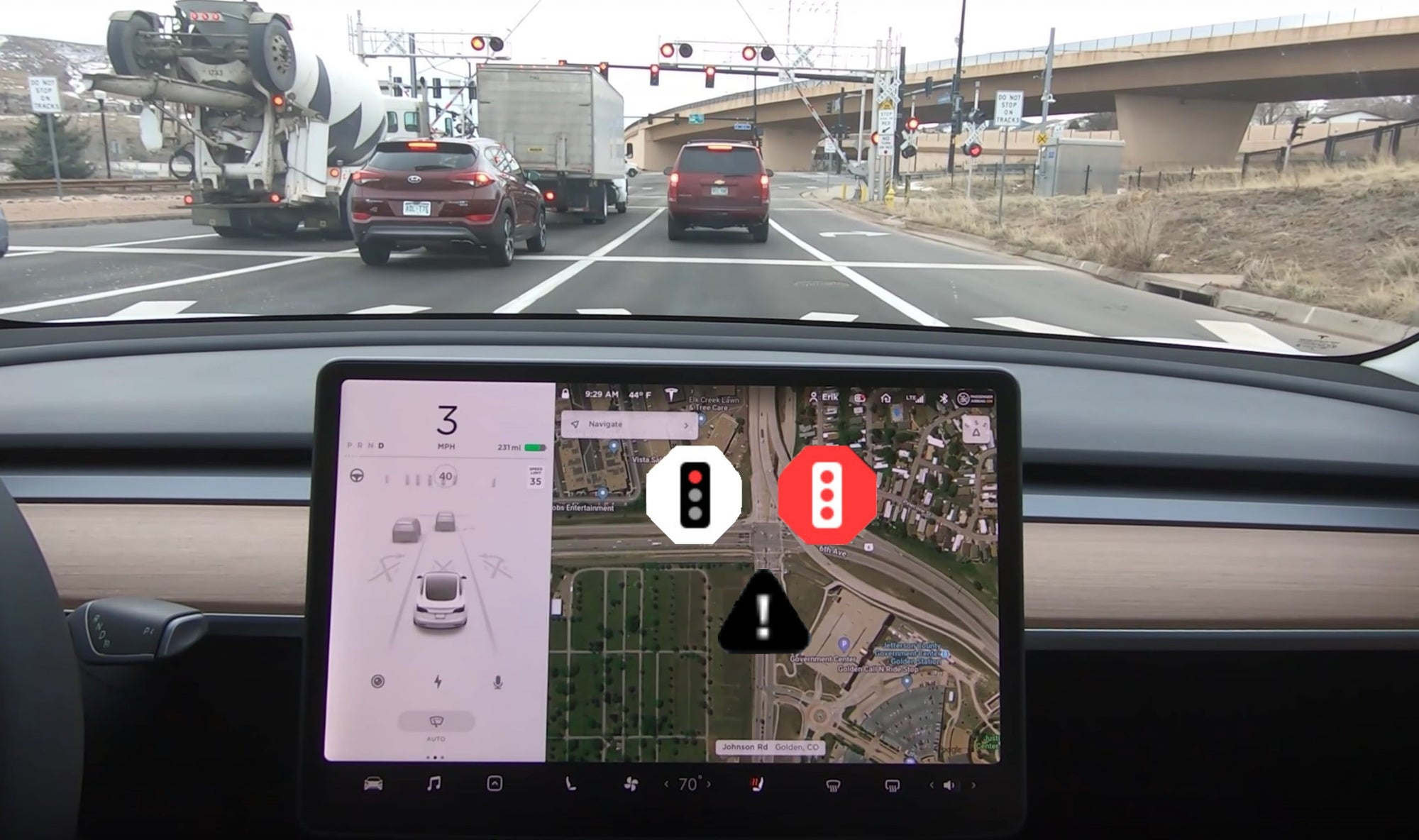 Hacker: Tesla Autopilot  Will Soon Stop At Red lights and Stop Signs