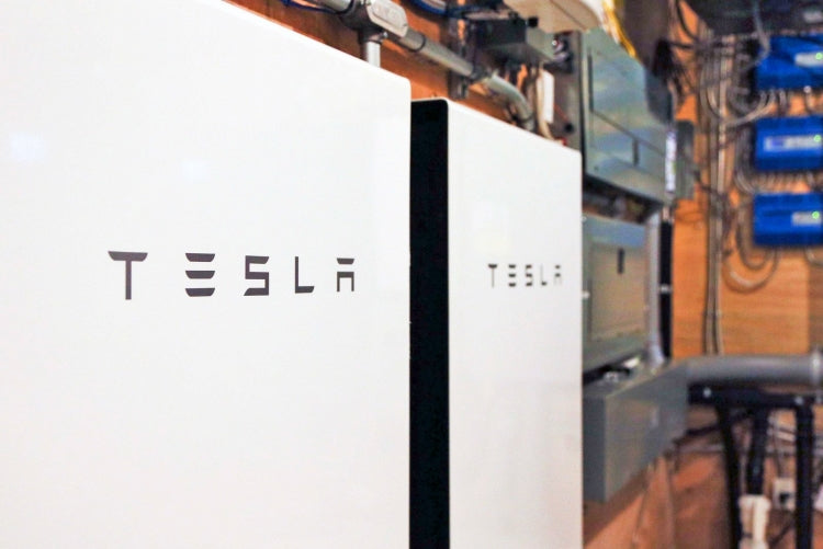 Tesla Big Batteries Will Be Used In Zimbabwe's Largest Mobile-Phone Operator's Core-Network Sites & More