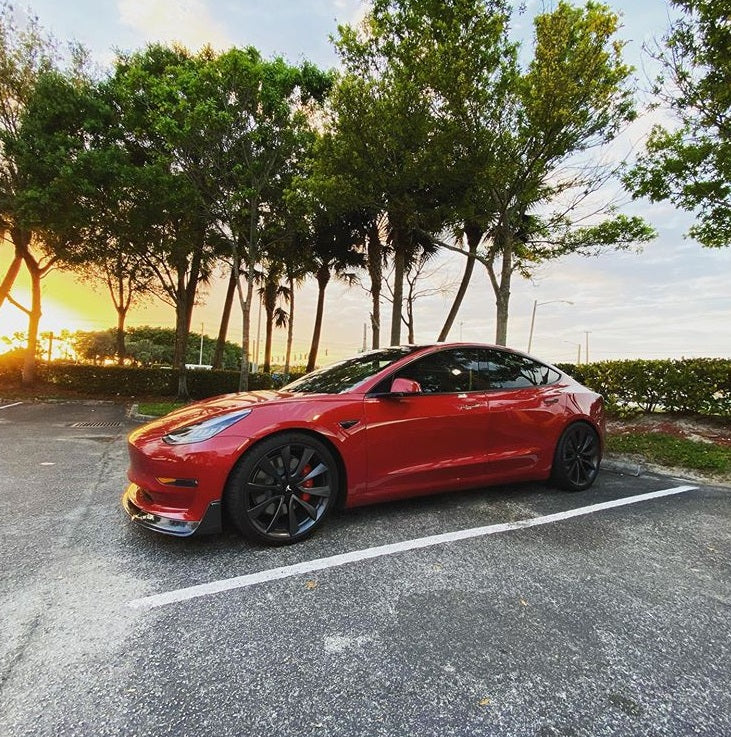 Tesla Is The Only Bright-Spot  That Achieved Positive Growth in Germany When All Other Automakers' Sales in April Dropped 61%