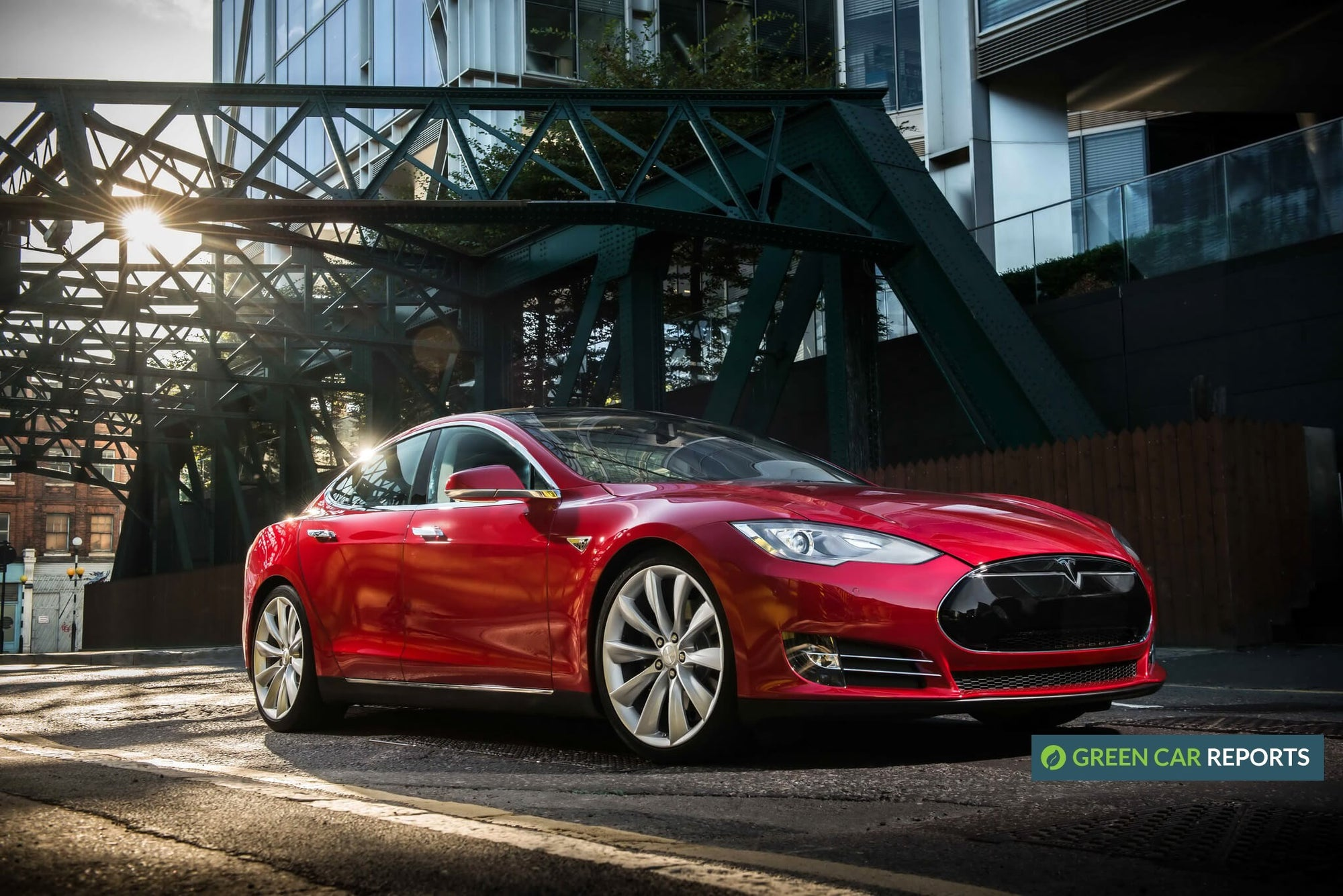 Tesla Model S gets 'Car of the Decade' Award