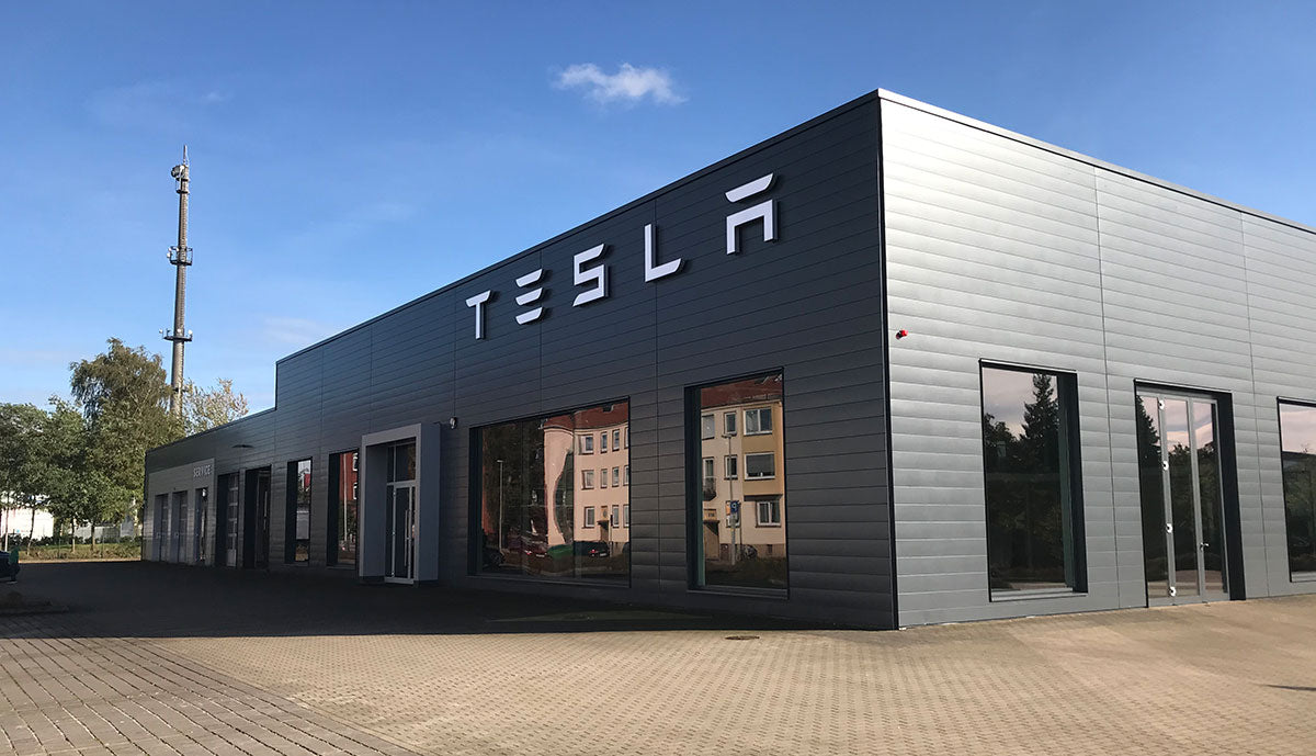 Tesla opens the largest service and sales center in Germany