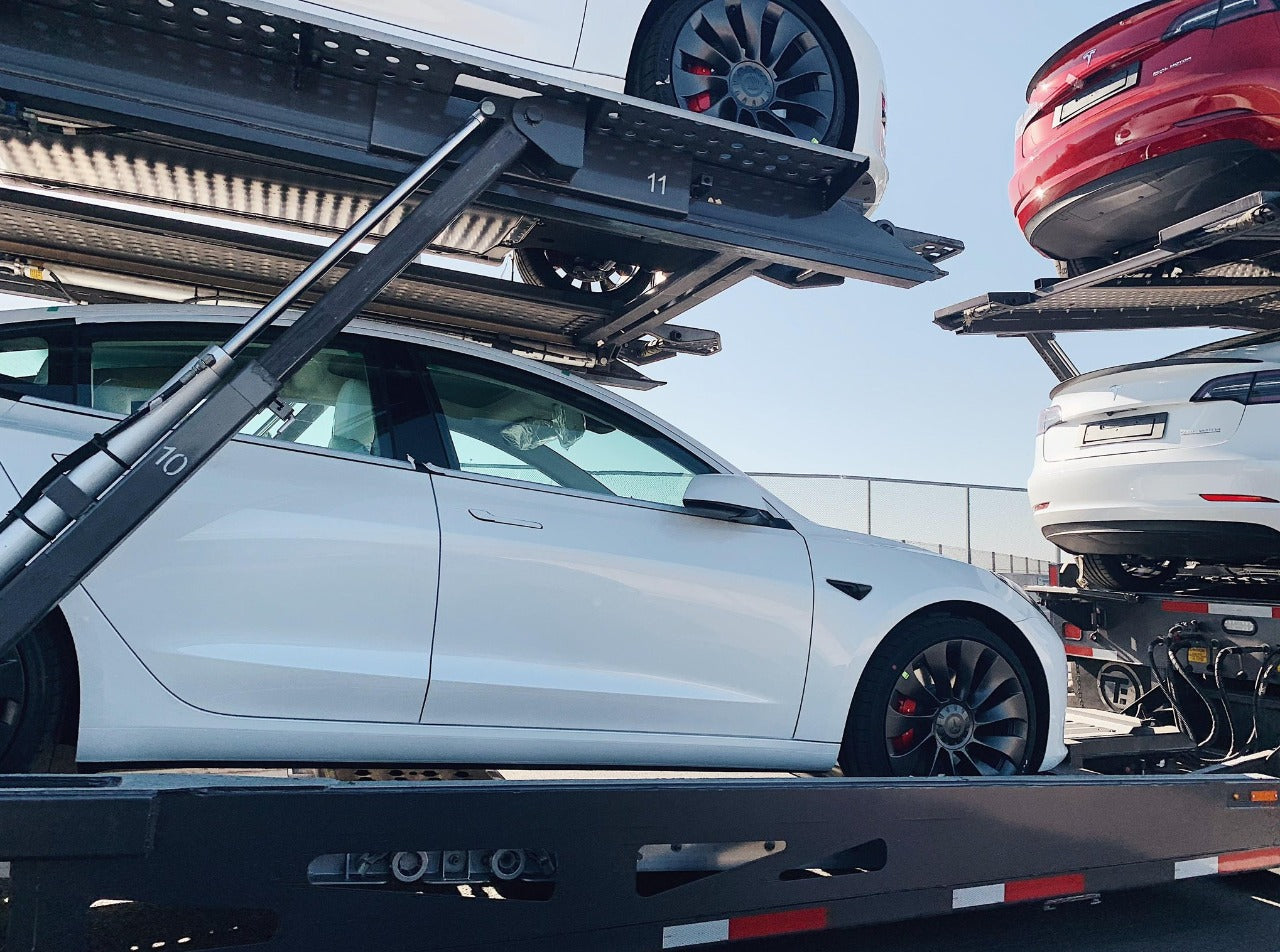 New Tesla Model 3 Performance with 20'' Überturbine Wheels Start to Ship Out for European Countries