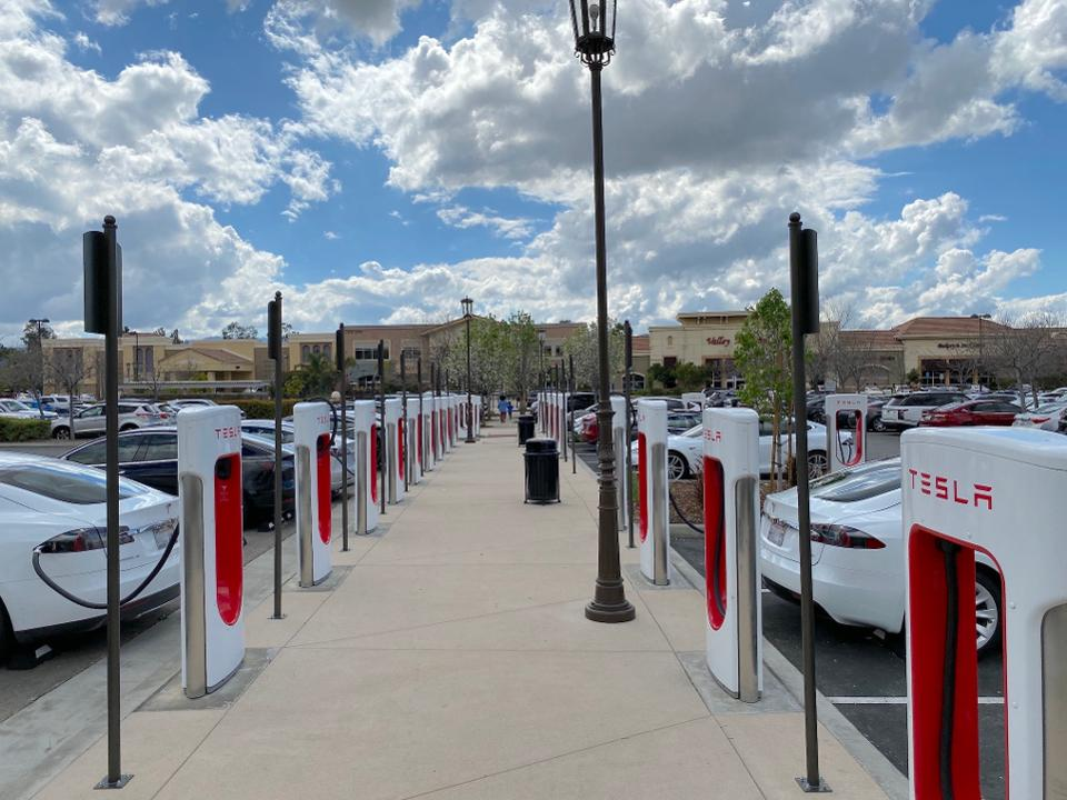 VW Clean Air Settlement Helps Tesla Build More Superchargers In Florida